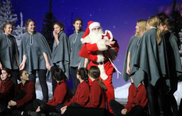 2019-12-15_Christmas Show_Sławomir_Kowalski (22)